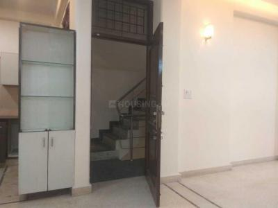 Gallery Cover Image of 2000 Sq.ft 3 BHK Independent Floor for rent in NDA RWA, Sector 51 for 26000