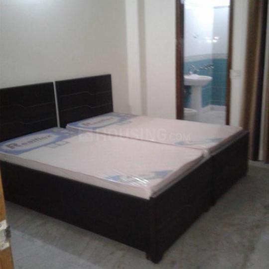 विवेक विहार में रॉयल पीजी में बेडरूम की तस्वीर