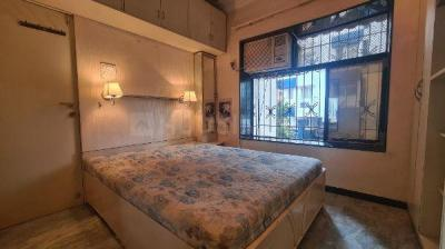 Gallery Cover Image of 420 Sq.ft 1 BHK Apartment for buy in Bandra West for 17000000