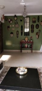 Gallery Cover Image of 750 Sq.ft 1 BHK Apartment for rent in Bandra West for 60000