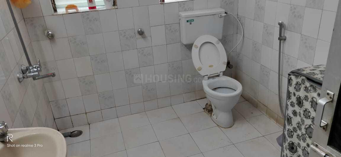Bathroom Image of 878 Sq.ft 2 BHK Apartment for rent in Andheri East for 48000