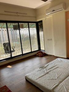 Gallery Cover Image of 880 Sq.ft 2 BHK Apartment for rent in Shiv Surabhi, Kandivali East for 30000