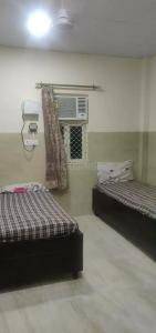 Bedroom Image of New Men's PG In Pitampura in Pitampura