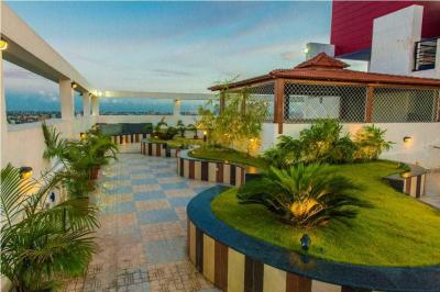 Gallery Cover Image of 2000 Sq.ft 3 BHK Apartment for rent in Sashwaat Mandeville Garden Court 3, Ballygunge for 72000