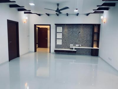 Gallery Cover Image of 1950 Sq.ft 3 BHK Apartment for rent in Rajajinagar for 75000