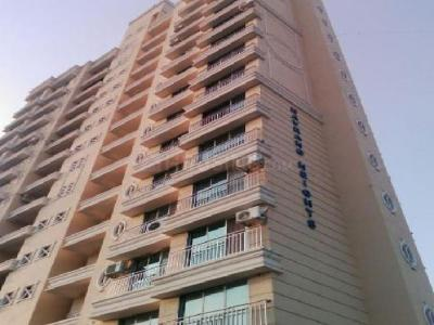Gallery Cover Image of 800 Sq.ft 2 BHK Apartment for buy in Kandivali West for 14000000