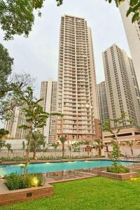 Gallery Cover Image of 750 Sq.ft 1 BHK Apartment for buy in Indiabulls Greens, Kon for 4400000
