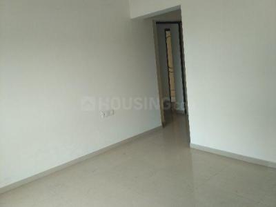 Gallery Cover Image of 1075 Sq.ft 3 BHK Apartment for rent in Kandivali East for 30000