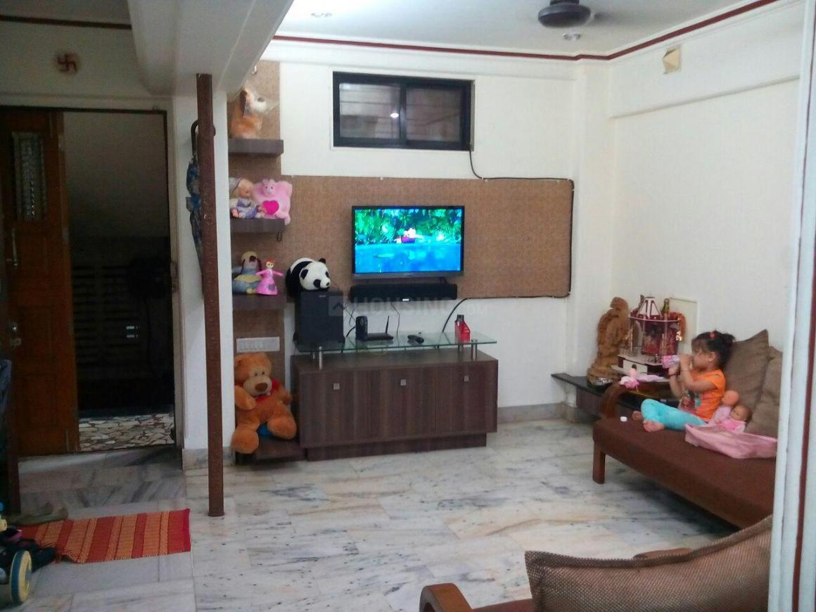 Living Room Image of 1000 Sq.ft 2 BHK Apartment for rent in Thane West for 27000