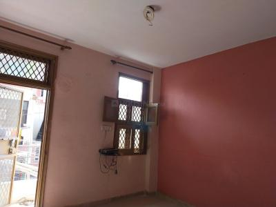 Gallery Cover Image of 500 Sq.ft 1 BHK Independent Floor for rent in Uttam Nagar for 11000