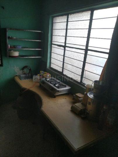 कोथरूड में सराफ़ पीजी के किचन की तस्वीर