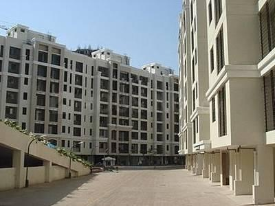 Gallery Cover Image of 595 Sq.ft 1 BHK Apartment for rent in Kandivali East for 25000