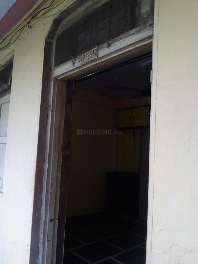 Main Entrance Image of 275 Sq.ft 1 RK Apartment for rent in Vikhroli East for 12000