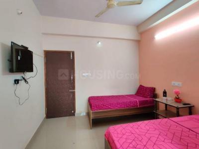 बीटीएम लेआउट में बीटीएम कप्ल पीजी के बेडरूम की तस्वीर
