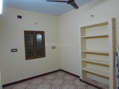 Gallery Cover Image of 490 Sq.ft 1 BHK Apartment for rent in Nungambakkam for 12500