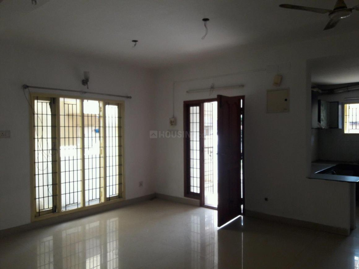 Living Room Image of 1700 Sq.ft 3 BHK Independent House for buy in Thoraipakkam for 10000000