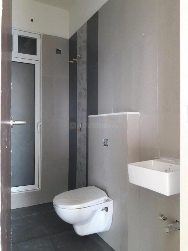 Common Bathroom Image of 650 Sq.ft 1 BHK Apartment for buy in Rayasandra for 3995000
