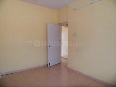Gallery Cover Image of 410 Sq.ft 1 RK Apartment for rent in Reputed Saraf Chaudhary Nagar CHS, Kandivali East for 13500