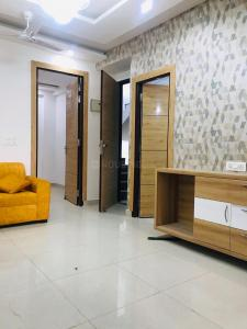 Gallery Cover Image of 950 Sq.ft 2 BHK Independent Floor for buy in Builder Floor 1, Noida Extension for 2150000