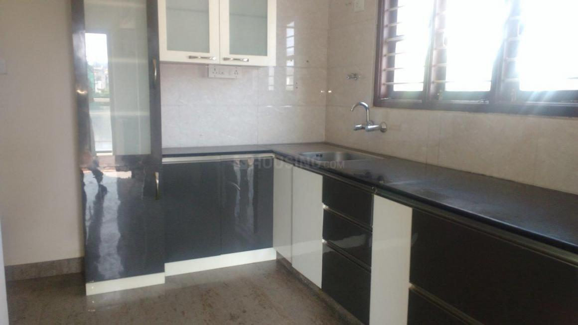 Kitchen Image of 2000 Sq.ft 3 BHK Apartment for rent in J. P. Nagar for 35000