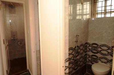Common Bathroom Image of Gayathri Luxury Mens PG in Vasanth Nagar