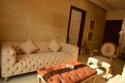 Gallery Cover Image of 2460 Sq.ft 4 BHK Apartment for buy in Arjunganj for 9120000