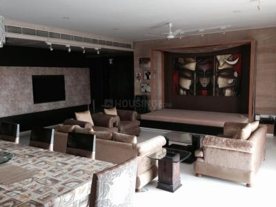Gallery Cover Image of 3840 Sq.ft 5 BHK Apartment for buy in Juhu for 250000000