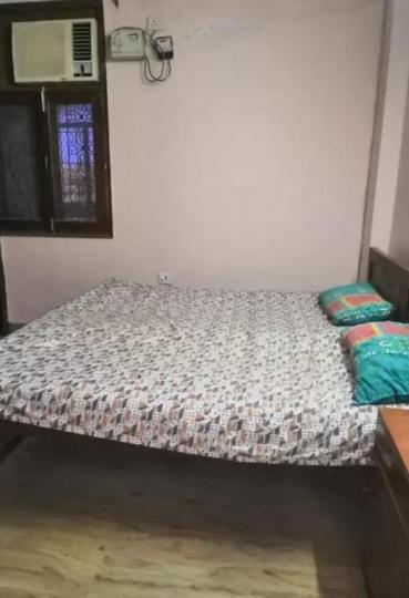 लाजपत नगर में दीपक के बेडरूम की तस्वीर