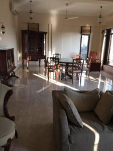 Gallery Cover Image of 3000 Sq.ft 4 BHK Apartment for buy in Juhu for 150000000