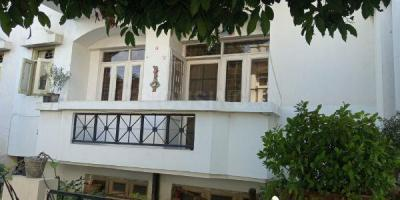 Gallery Cover Image of 930 Sq.ft 2 BHK Apartment for buy in  Vasant Apartment, Sector 13 for 7800000