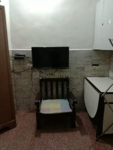 Gallery Cover Image of 250 Sq.ft 1 RK Apartment for rent in Khar West for 24000