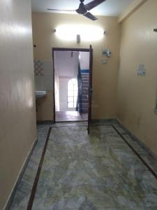 Gallery Cover Image of 1050 Sq.ft 2 BHK Apartment for rent in South Dum Dum for 11500