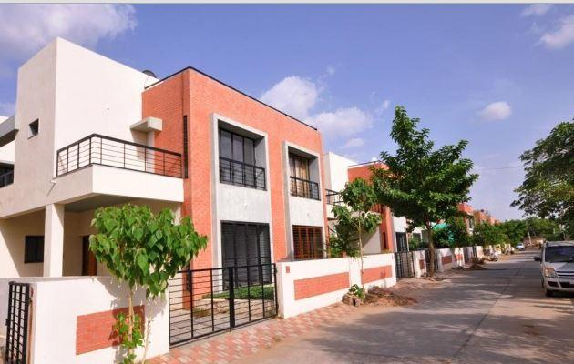 Building Image of 2600 Sq.ft 3 BHK Villa for rent in Thaltej for 30000