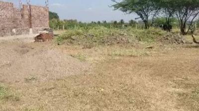3028 Sq.ft Residential Plot for Sale in Suravadi, Phaltan