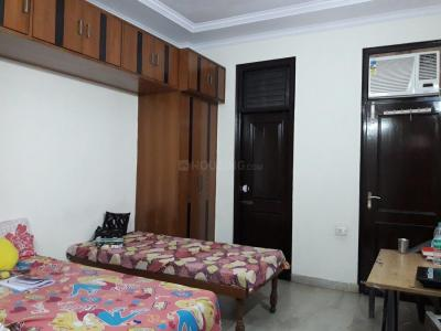Bedroom Image of Paras PG in Mukherjee Nagar