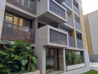 Gallery Cover Image of 2450 Sq.ft 3 BHK Apartment for buy in Bopal for 15500000