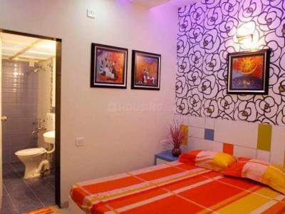 Gallery Cover Image of 1150 Sq.ft 3 BHK Apartment for rent in Kandivali East for 35000