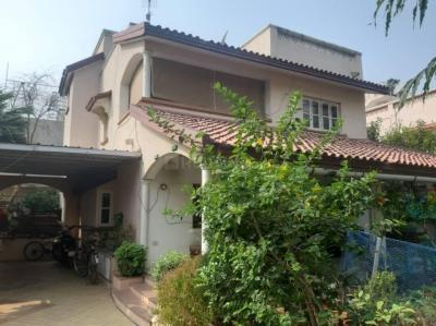 Gallery Cover Image of 2970 Sq.ft 4 BHK Independent House for buy in Thaltej for 42500000