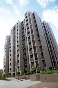 Gallery Cover Image of 1485 Sq.ft 3 BHK Apartment for rent in Vejalpur for 25000
