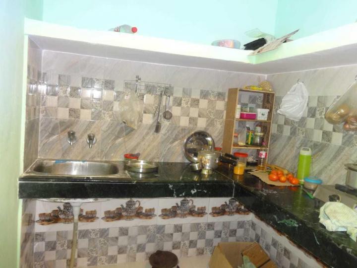 बलजीत नगर में मैक्स पीजी के किचन की तस्वीर
