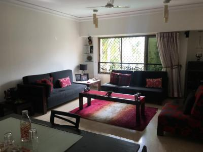 Gallery Cover Image of 1685 Sq.ft 3 BHK Apartment for rent in Bandra West for 350000