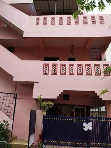 Gallery Cover Image of 1100 Sq.ft 2 BHK Independent House for rent in Bangalore City Municipal Corporation Layout for 15000