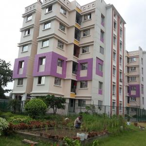 Gallery Cover Image of 1070 Sq.ft 3 BHK Apartment for rent in Dum Dum Cantonment for 10000