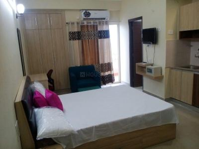 Gallery Cover Image of 355 Sq.ft 1 BHK Apartment for rent in Supertech Ecociti, Sector 137 for 9000