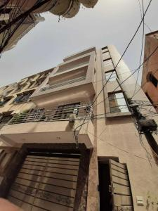 Gallery Cover Image of 775 Sq.ft 3 BHK Independent Floor for buy in Krishna Nagar for 5500000