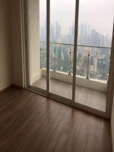 Gallery Cover Image of 1200 Sq.ft 3 BHK Apartment for rent in Parel for 90000