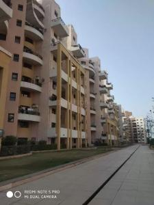 Gallery Cover Image of 1500 Sq.ft 3 BHK Apartment for rent in Magarpatta City for 42000