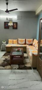Gallery Cover Image of 1100 Sq.ft 3 BHK Apartment for buy in Baranagar for 5500000