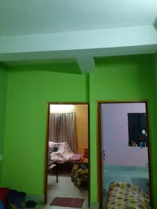 Gallery Cover Image of 650 Sq.ft 2 BHK Independent Floor for rent in Tollygunge for 10000