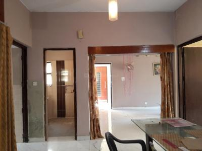 Gallery Cover Image of 2000 Sq.ft 3 BHK Apartment for rent in Vasant Kunj for 40000